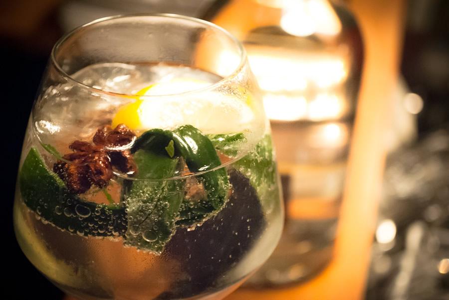 Gin 7 Rempah Restaurant Blauw
